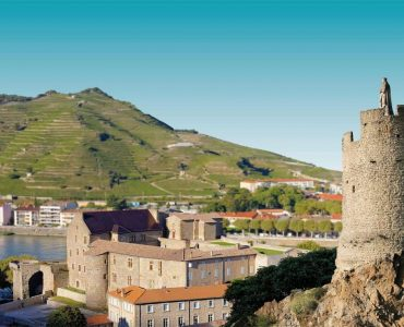 tourisme_aveyron_sud_plus_beauxu_villages_de_france_tournon-activites_a_faire_pres_de_nos_gites_de_groupe